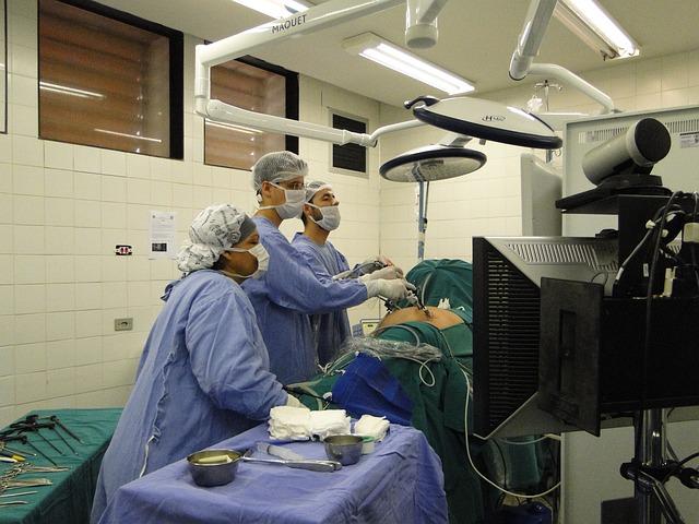 Zabudnite na skalpely a zamerajte sa na laparoskopiu