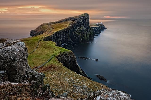 Škótsko- krajina ohurujúcich miest a neopakovateľnej prírody