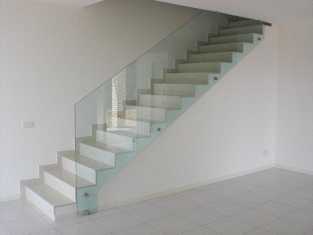 Aj schodisko môže byť dominantným vizuálnym prvkom. Neveríte?
