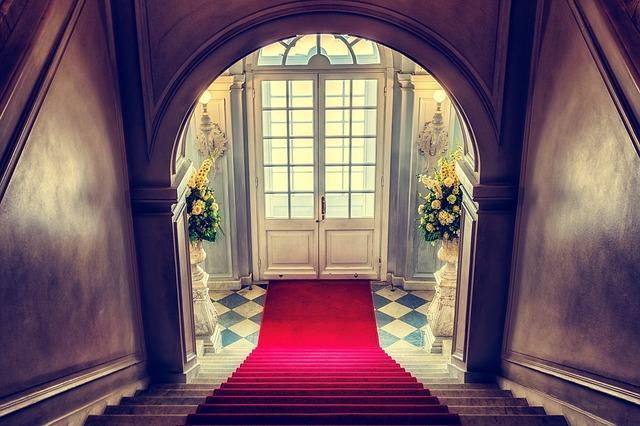 koberec na schodech