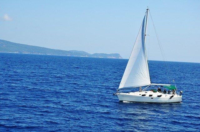 Agentúra hľadá človeka, ktorý by cestoval loďou a svoje zážitky zdieľal sostatnými. Ponúka plat takmer 7000 eur!