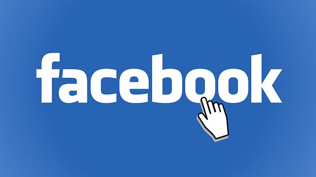 Facebook hovorí, že Homeland Security nemôže vytvárať falošné účty.